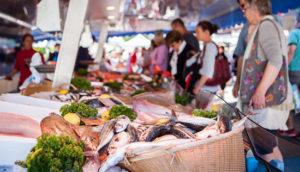 Рынок в Лорьяне (Бретань) фото
