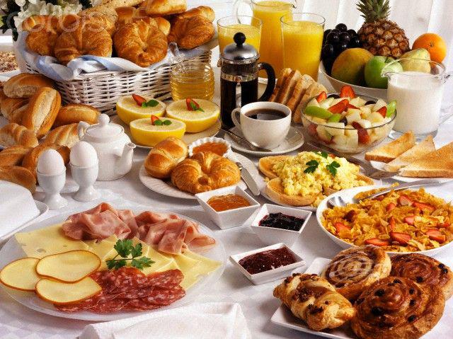 завтрак шведский стол, или буфет - фото