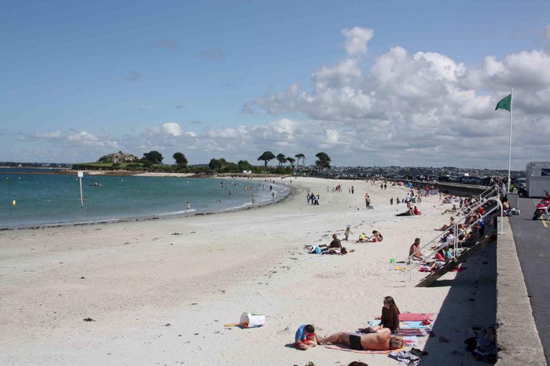 Пляж де Сен-Анн фото